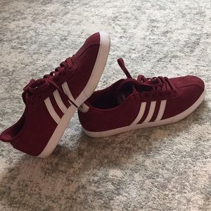 Adidas Neo Comfort Footbed Maroon Sneakers size 9